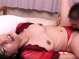 Seductive Japanese cougar, Saya Sakurai made love with a nei