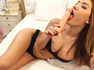 Hot asian in yoga pants fingers herself on webcam paxcams.com